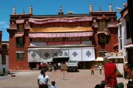 Tour to tibet