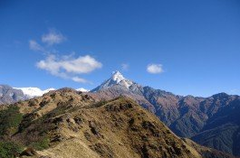 on the way to mardi himal base camp